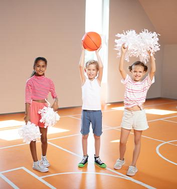Cheerleading girls boy court 353x378 1
