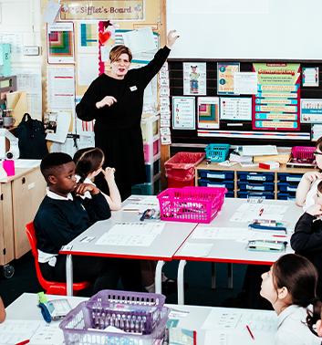 GoAL teacher classroom 353x378 1