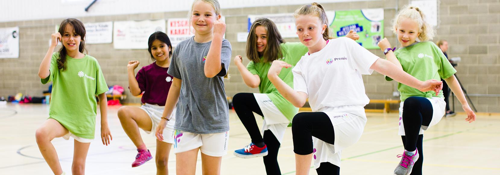 Street Dance girls smiling 1658x580 1