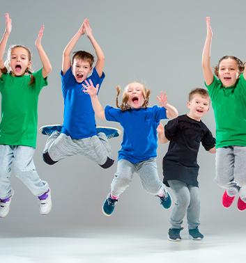 Street Dance group jumping 353x378 1