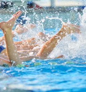 Swimming feet kicking 353x378 1
