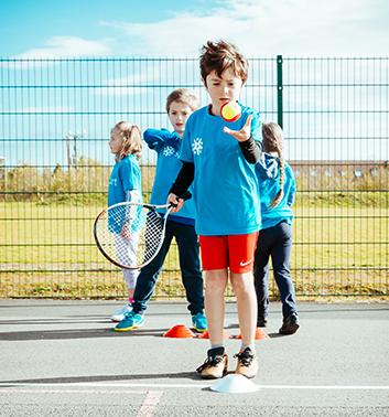 Tennis boy ball racket 353x378 1